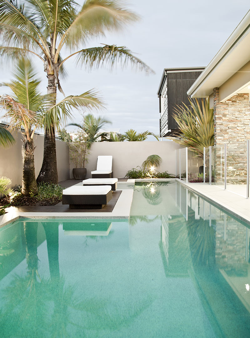 Outdoor swimming pool ideas and designs