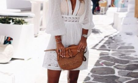 Check out these beautiful outfits with hats that are great for summer.